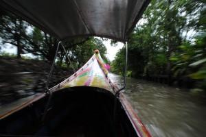 Lanciati verso il mercato galleggiante, Thailandia